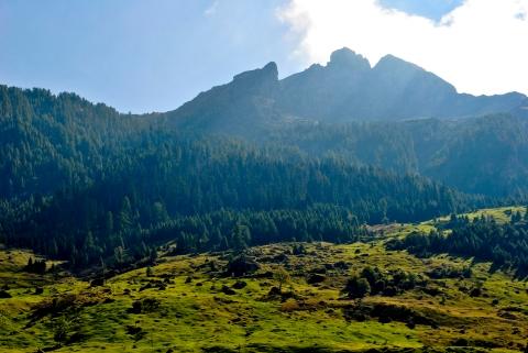 vals hillside
